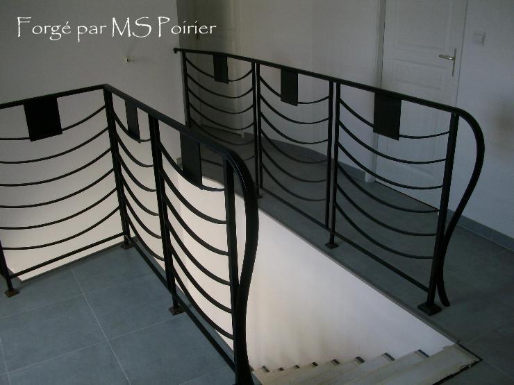 Rampe d 39 escalier vogue ferronnerie design - Rampe d escalier moderne ...